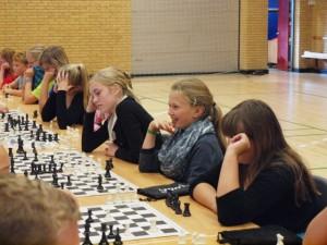 Alle elever på Vestfjendsskolen fra 0. - 9. var i sving med skoleskak