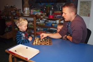 4-årige Willads spiller førskoleskak